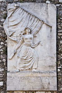 800px-Catherine_Segurane_monument_Nice