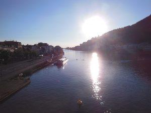Köprüden gün batımı manzarası