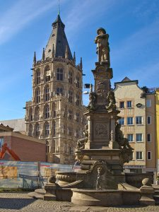 640px-Jan_Werth_Brunnen_Alter_Markt_Köln_672-vd